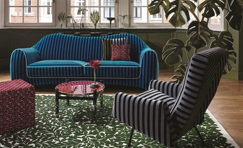 Bold, colourful or patterned sofas